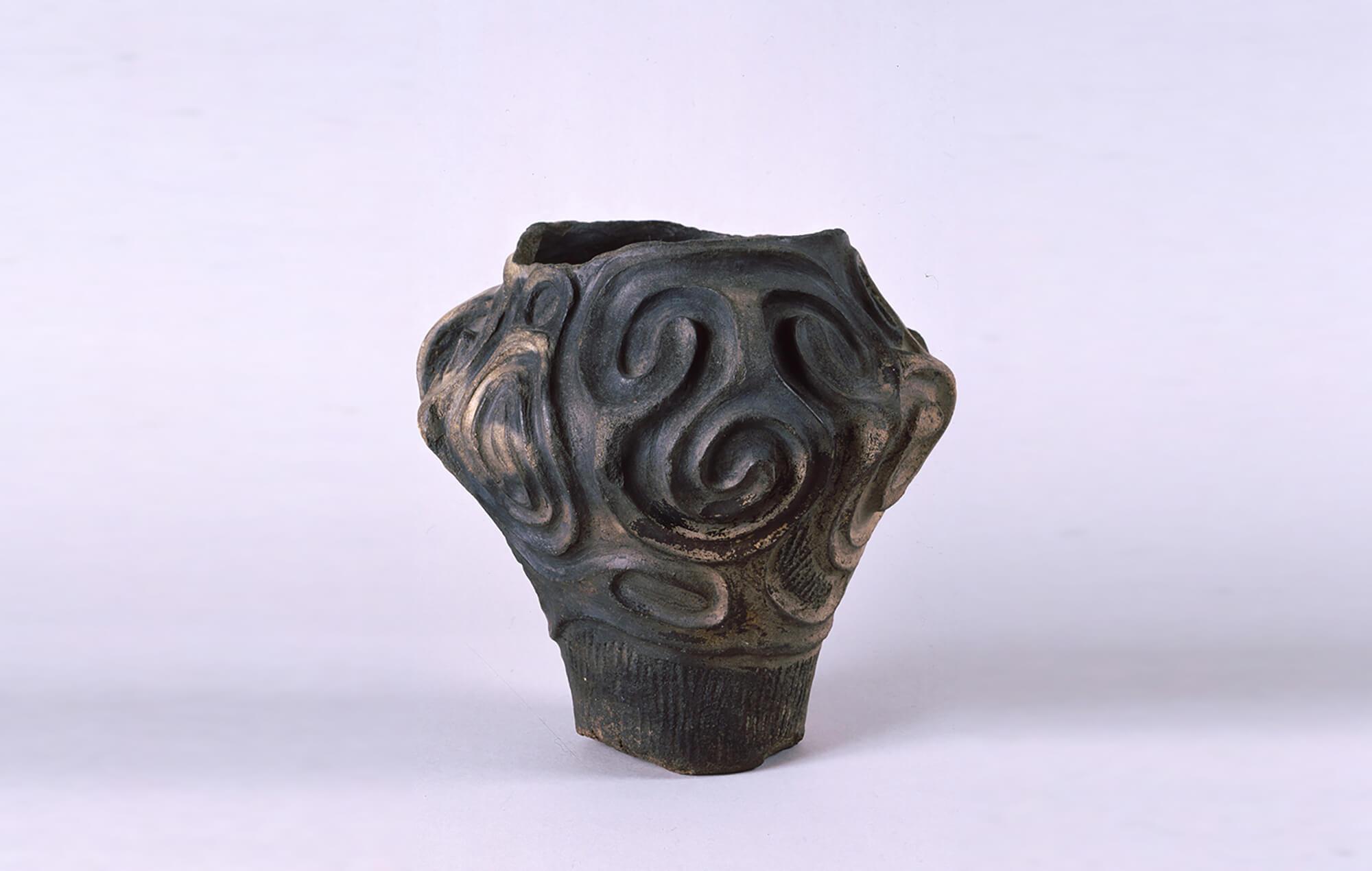 県重宝 深鉢形土器(伝堀田遺跡出土) 八戸市博物館蔵