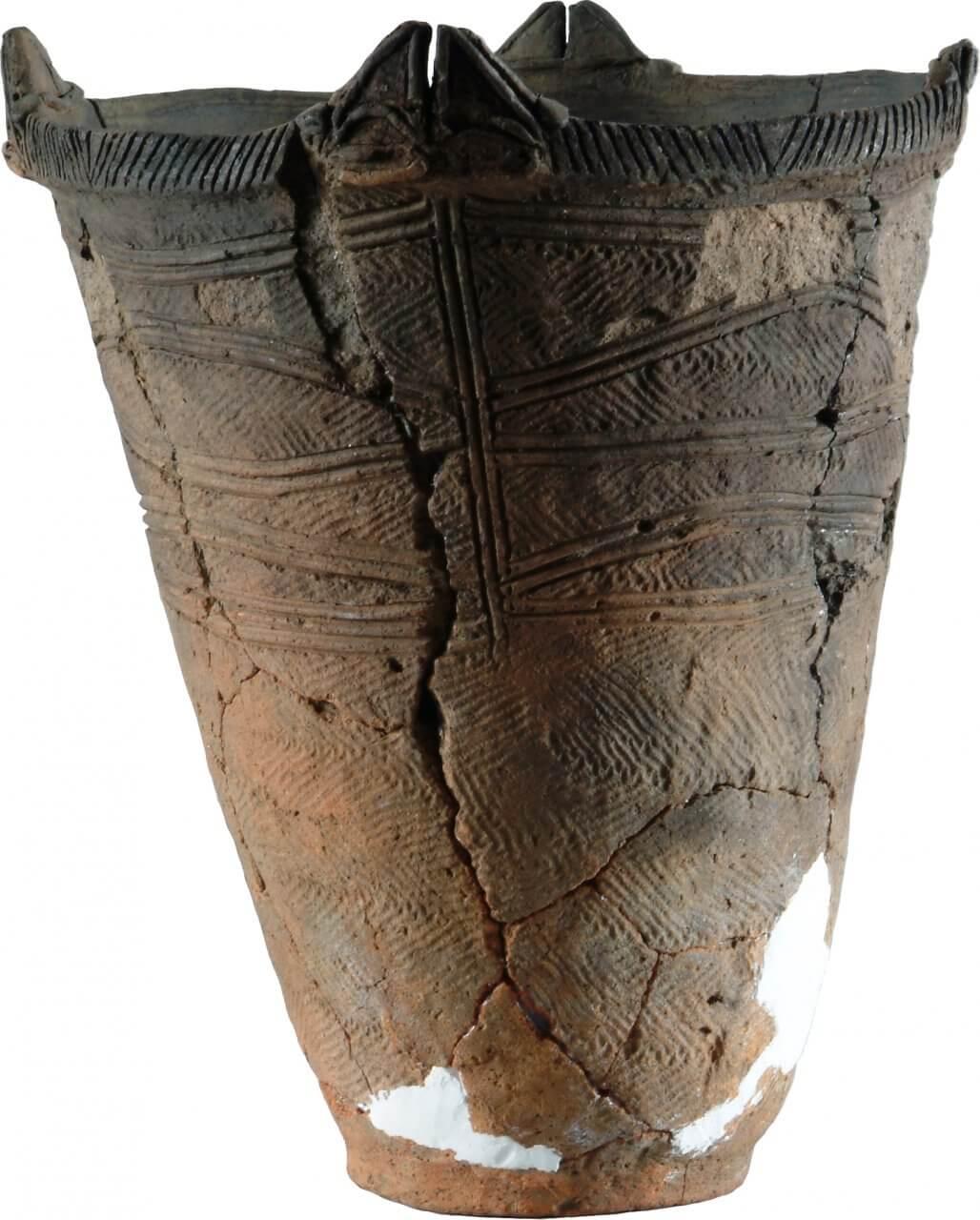 深鉢形土器 円筒上層e式(石手洗遺跡出土)