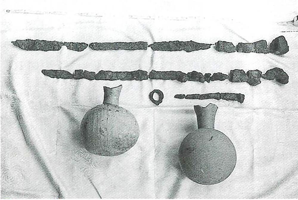 古墳発見時の遺物